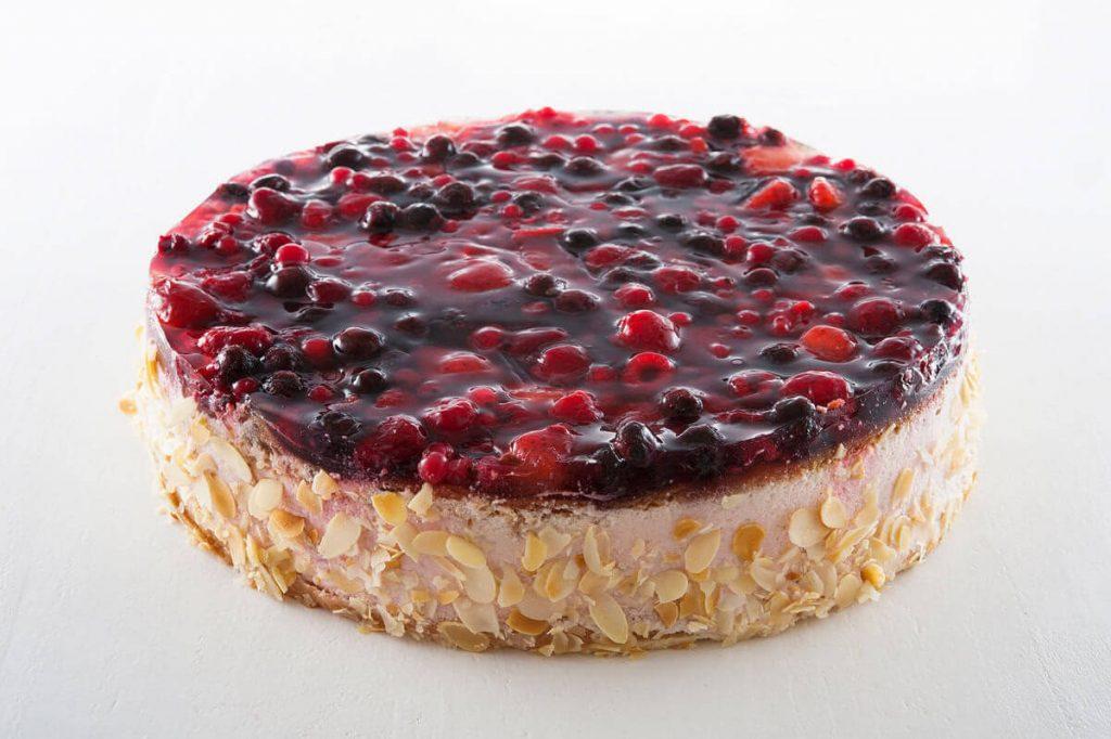 Waldbeere-Quark-Obst Torte