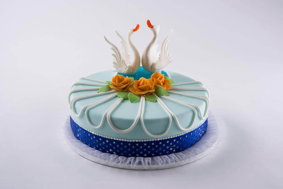 Hochzeitstorte Schwanenwansee Kuchen Macht Glucklich Online